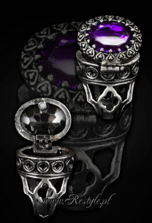 "Кольцо - тайник Gothic, locket ring ""POISON RING - PURPLE"" Oval ring with secret compartment - Изображение"