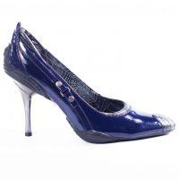 Туфли на тонком каблуке, медная пудра, молодежная косметика